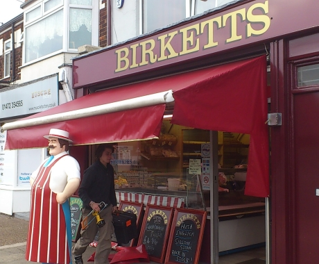 Birketts Butchers Grimsby – Tradional Shopfront Style Awning With Side Curtains