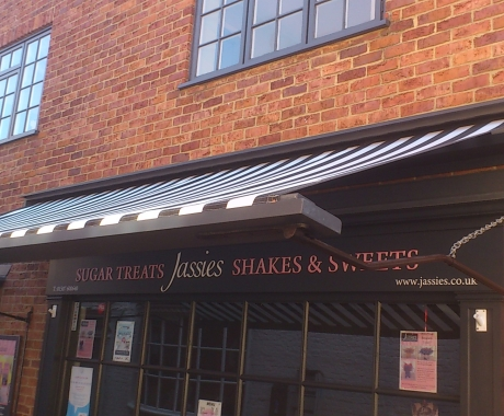 Brand New Traditional Shopfront Awning at Jassies Sweetshop in Louth
